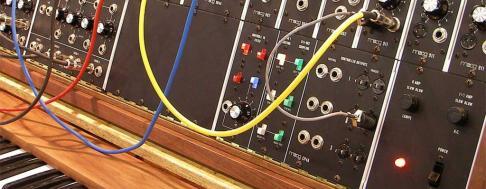 Synthesizer Keyvisual