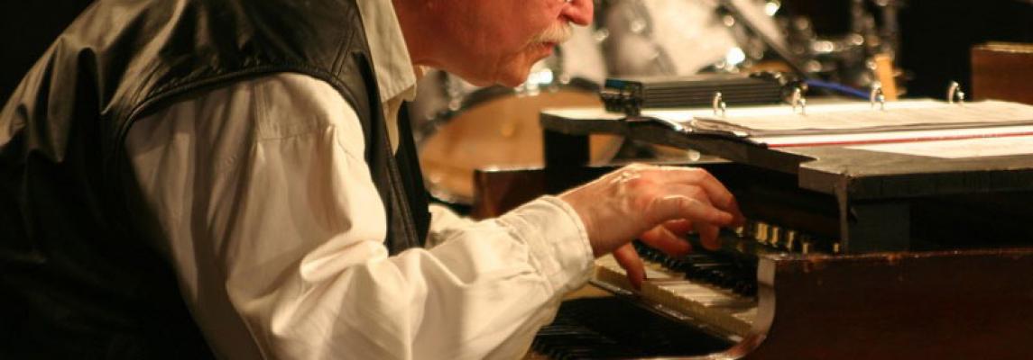 Helmut Sprick an Hammond Orgel